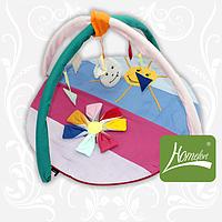 """Круглый симпатичный игровой коврик """"Цветик-семицветик"""" с дугами и подвесными игрушками для малыша (140х90 см) ТМ Хомфорт"""