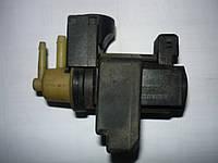 Клапан управления турбиной Renault Trafic / Vivaro 2.5dci 06> (OE RENAULT 8200486264)