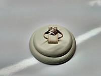 Крохотное золотое колечко 585* с мелкими камнями