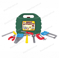 Игрушечный набор инструментов в чемодане