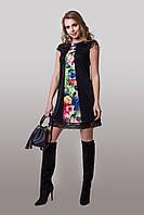 Яркое женское платье с цветочным принтом черное