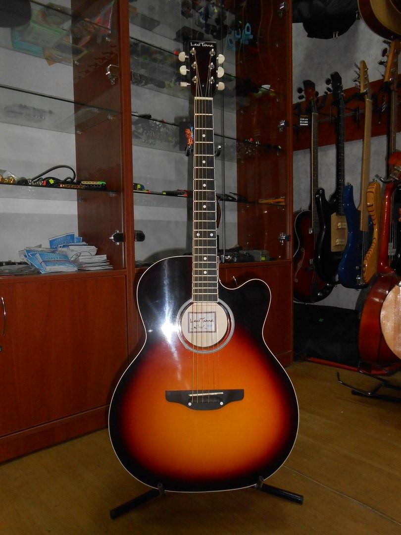 ( 01/110 ) Новая акустическая гитара Львовской музыкальной фабрики Leo