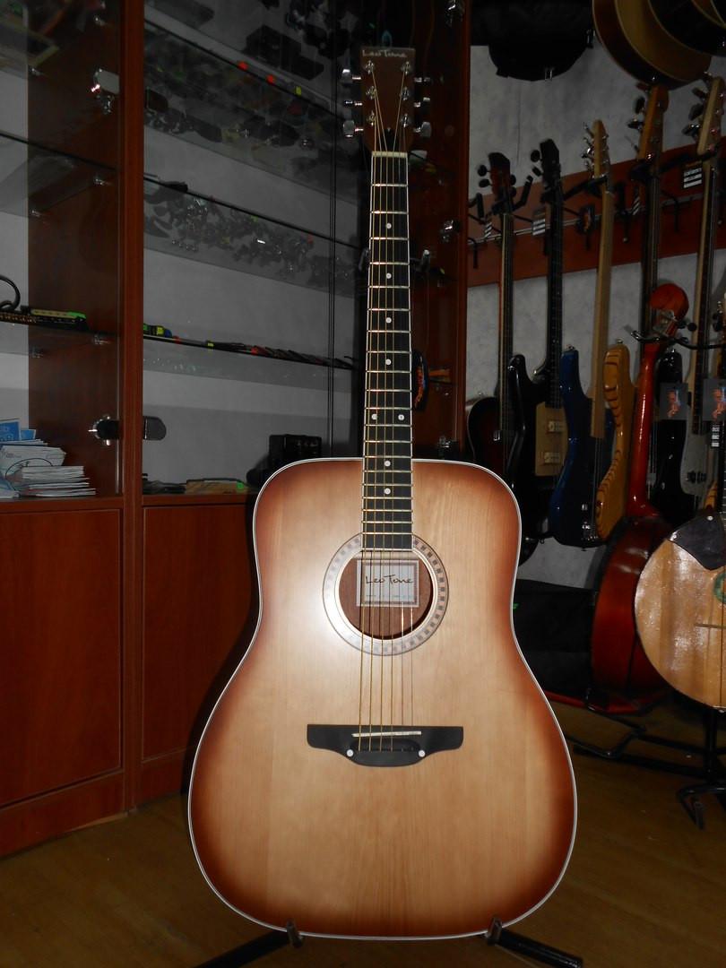 ( 01/106 ) Новая акустическая Гитара Львовской музыкальной фабрики Leo