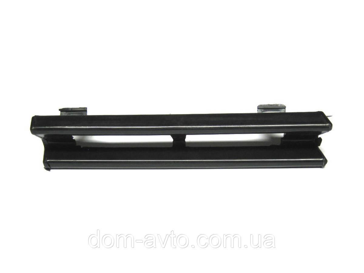 Заглушка  в передний бампер мерседес W201 190 mercedes