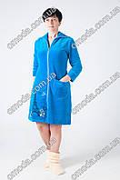 Женский велюровый халат с карманом и красивым принтом голубого цвета