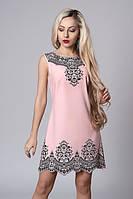 Нежно-розовое платье без рукавов