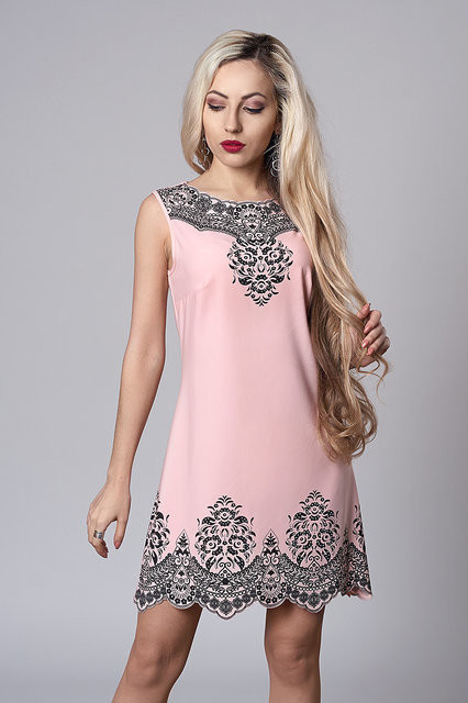 Нежно-розовое платье без рукавов dc59513ef9125