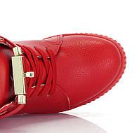 Удобные повседнавные сникерсы красного цвета