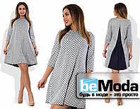 Оригинальное платье больших размеров из трикотажа в горох со вставкой на спинке из креп шифона белое