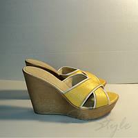 Шлепанцы женские эко-кожа желтые 37 размер