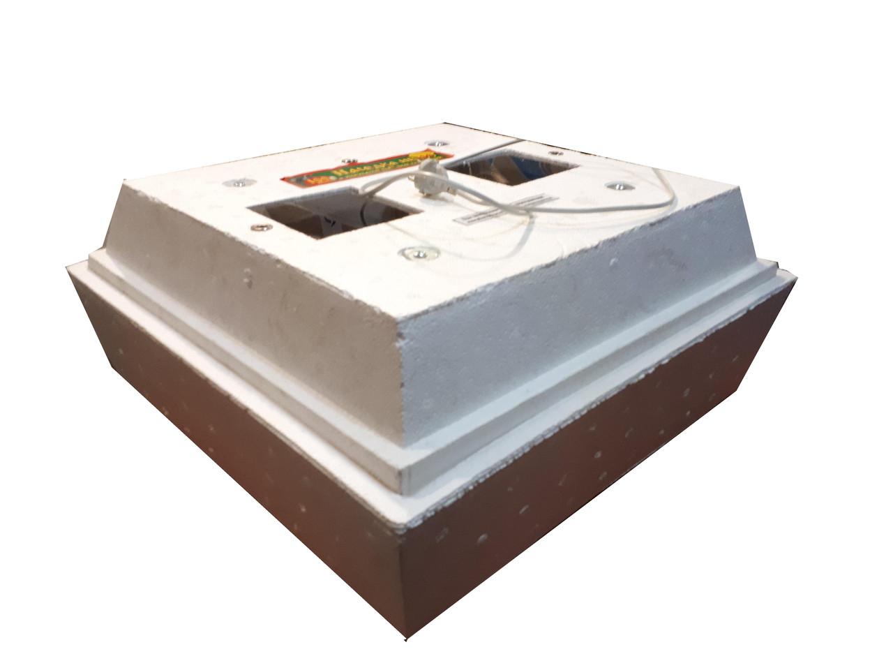 Инкубатор Наседка ИБ-120 цифровой с механическим переворотом для куриных и перепелиных яиц