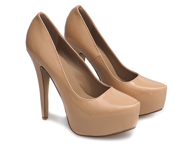 Лаковые женские туфли на шпильке,бежевого цвета размеры 36,39