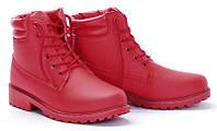 Яркие, красные женские ботинки весна, осень