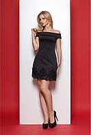 Качественное короткое платье черного цвета с обнаженными плечами и кружевом по низу