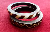 Комплект браслетов из ювелирной пластмассы