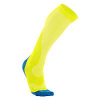 Мужские компрессионные спортивные гольфы для бега 2XU MA2442e (жёлтый / голубой)
