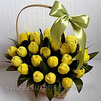 """Кошик з квітами з цукерок """"Тюльпани"""", фото 2"""