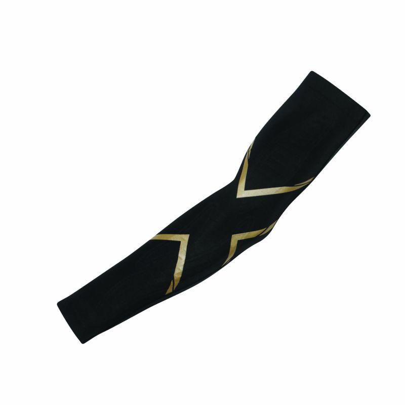 Компрессионные рукава Mcs 2XU UA3513a (чёрный / золотой)