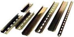 DIN-рейка 35*7,5 мм, довжина 4 полюсів