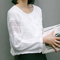 Красивая женственная нарядная белая офисная блузка с белой вышивкой