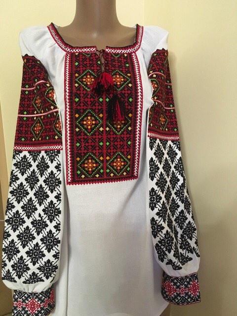 Вишита сорочка жіноча традиційна на домотканому полотні  продажа ... 46038901ea040