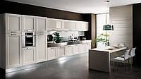 Современная кухня с крашенными фасадами из массива сосны DEVON BIANCO фабрика EFFE QUATTRO (Италия)