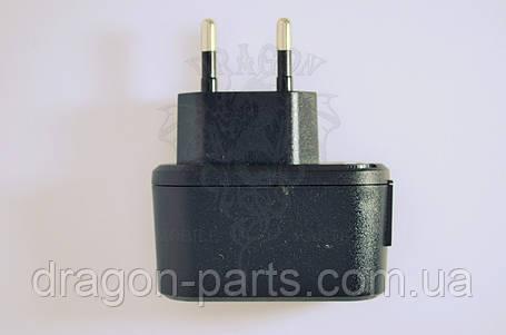 Сетевое зарядное устройство Nomi i300 ,оригинал, фото 2