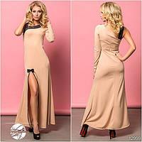 Вечернее платье бежевого цвета с разрезом. Модель 12999.