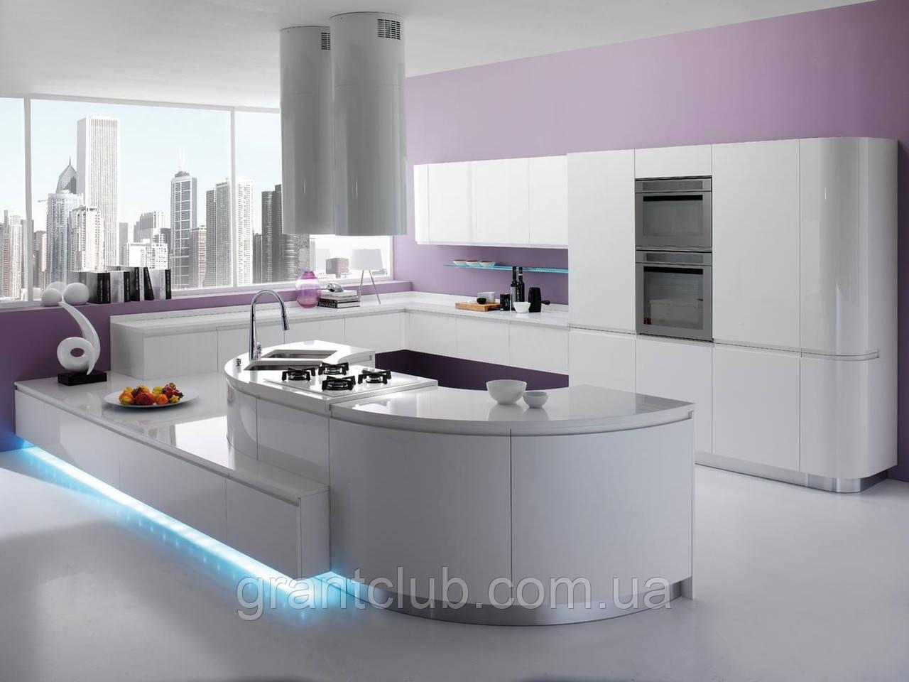 Современная радиусная крашенная кухня без ручек с подсветкой SEVEN фабрика TORCHETTI (Италия)