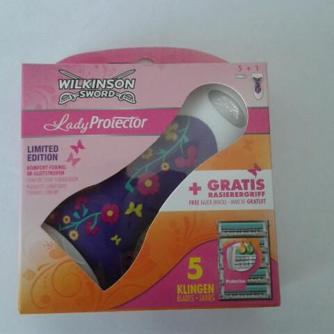 Набор для бритья женский Wilkinson Sword  (Шик Вилкинсон Леди протектор станок + 5 катриджа) пр-во Германия