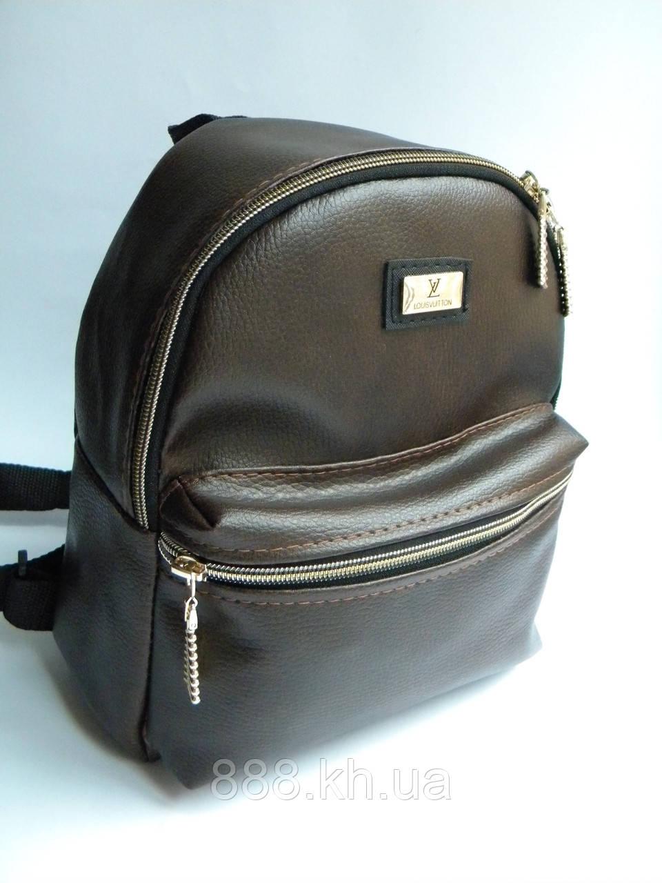 Женский кожаный рюкзак мини CHANEL коричневый не оригинал