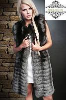 Жилет из меха чернобурой лисы в росшив, поперечный крой, длина 92 см, фото 1