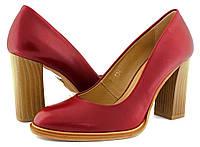 Красные женские туфли на каблуке. Польской фабрики Kordel. Итальянская кожа.