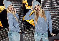Оригинальный вязаный женский свитер