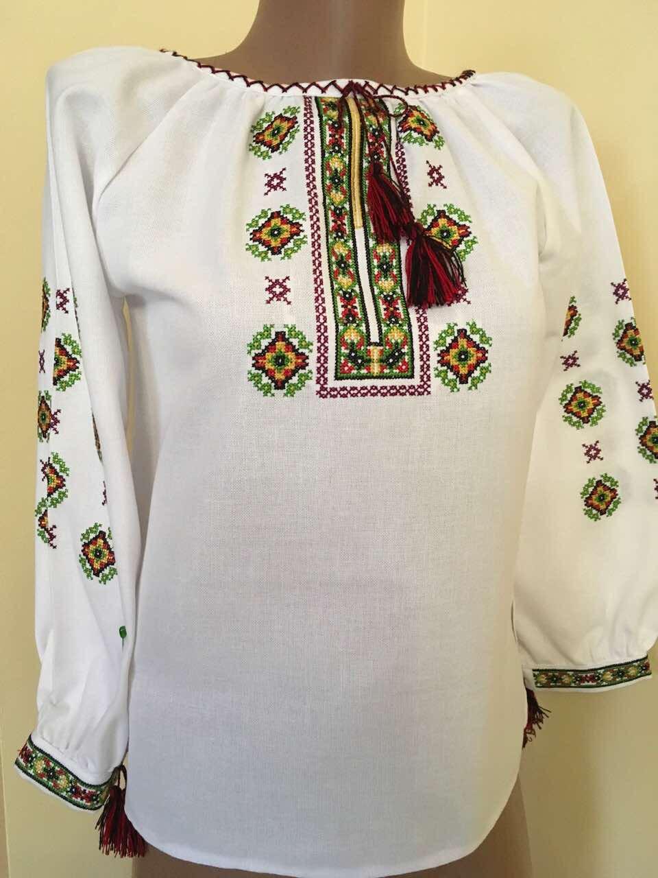 Вишиванка для дівчинки вишита хрестиком на домотканому полотні - Скарбниця  Карпат- інтернет магазин виробів ручної ea5ab71e65a20