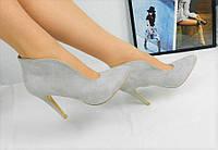 Женские серые ботильоны на  каблуке 10,5 см, эко замшевые /  женские ботильоны с декольте весна, стильные