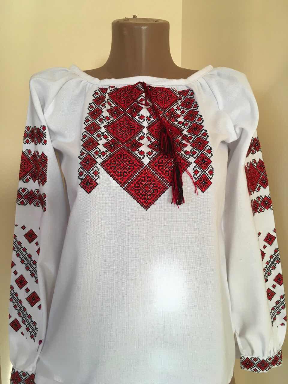 Біла вишиванка для дівчинки з геометричним орнаментом - Скарбниця Карпат-  інтернет магазин виробів ручної роботи 429f78e3bbb5d