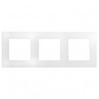 Рамка 3 поста белый 672503 Legrand Etika