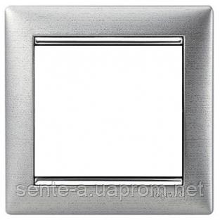 Рамка 1 пост алюминий матовый Legrand Valena 770331