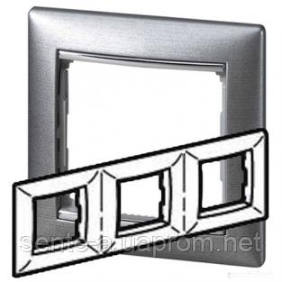Рамка 3 поста алюминий матовый Legrand Valena 770333