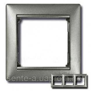 Рамка 3 поста алюминий Legrand Valena 770153