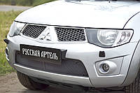 Захисна сітка переднього бампера Mitsubishi Pajero Sport 2008-2014 р. в.