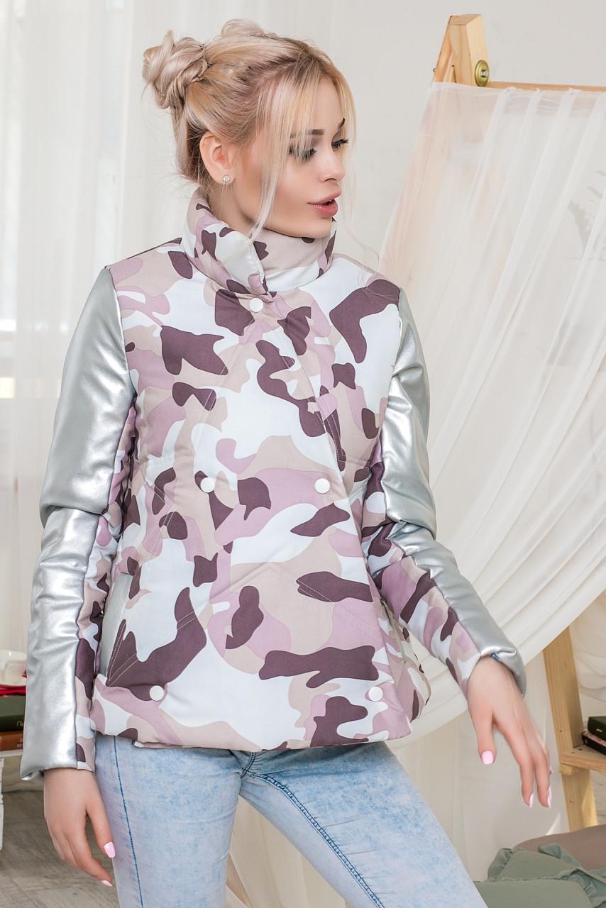 """Женская стильная свободная куртка на синтепоне 5-989 """"Звезда Камуфляж Рукава Кожа"""""""