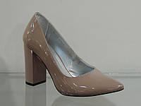 Туфли женские лаковые натуральные на высоком каблуке бежевые