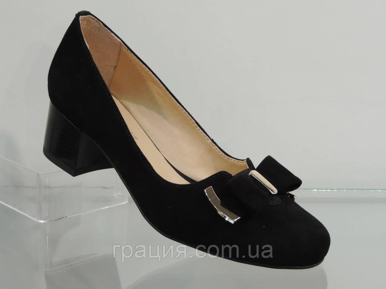 Туфлі жіночі замшеві натуральні на більшому підборах чорні