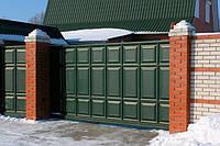 Откатные ворота консольного типа  из штампованной металлической филенки