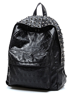 Рюкзак городской с заклепками