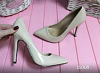 Туфли лодочки женские светло-бежевые,эко лак,каблук 11см р.40,41