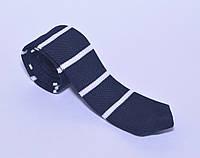 Стильный вязанный галстук темно-синий в белую полоску