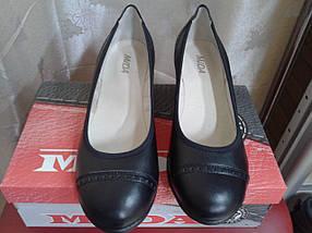 Женские туфли из натуральной  кожи на невысокой танкетке МИДА 21339 черные., фото 2